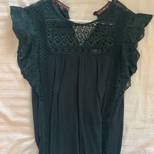 Beautiful lace Forrest green top